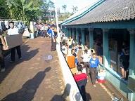Gotong Royong Santri Dalam Perpindahan Kamar