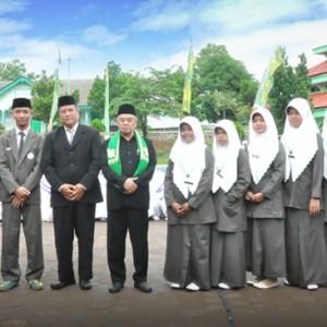 Prestasi Amaliyah Tadris Siswa Kelas 6 TMI Mendapat Beasiswa dari Pimpinan Pondok Pesantren KH. Mas'ud Abdul Qodir