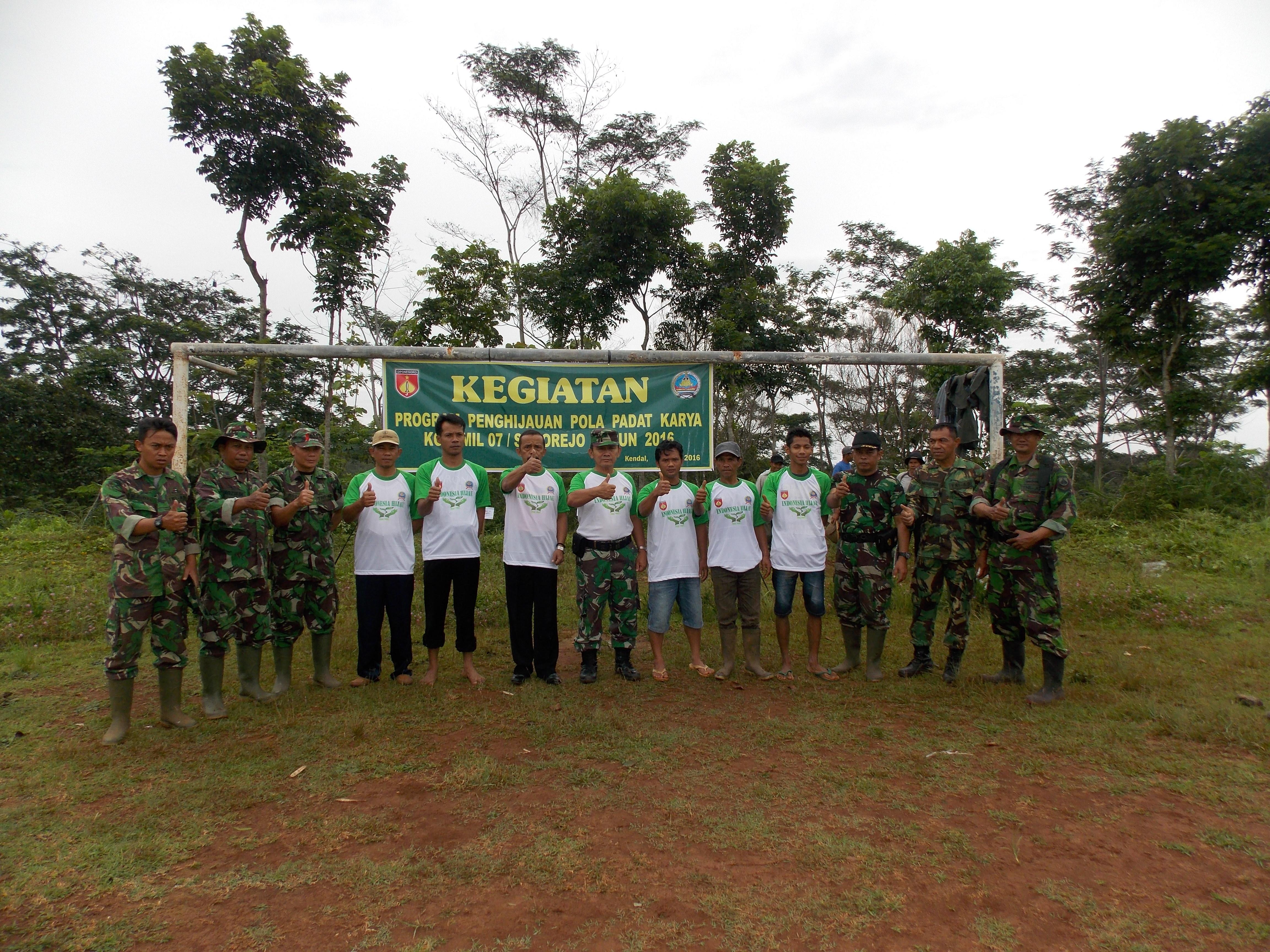 Program Penghijauan Pola Padat Karya Koramil Sukorejo Tahun 2016