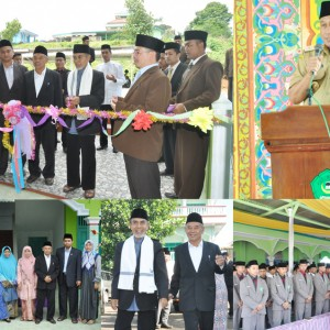 Silaturrahim KH Hasan Abdullah Sahal Pondok Modern Gontor Bersama keluarga besar Pondok Pesantren Darul Amanah
