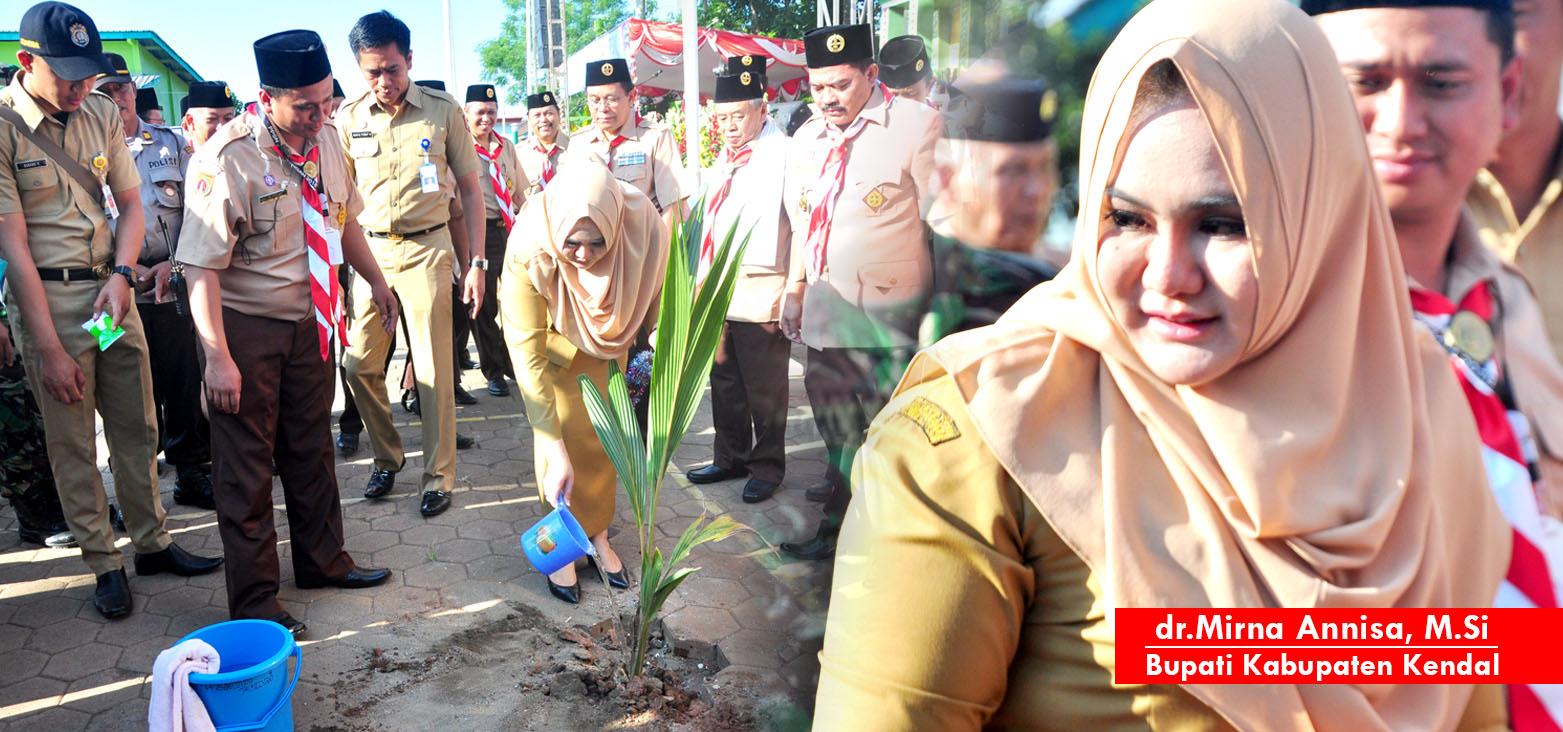 Tanam Cikal, Bupati Kendal, Mirna Annisa Buka Upacara PPSN Jawa Tengah