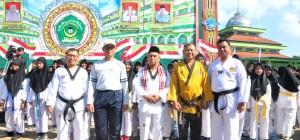 dari kiri-kanan : Ustad Adib, Lc. MA, Drs. Imam Gunawan, KH. Mas'ud Abdul Qodir, Sabeum Suroso, Ustadz H. Muhammad Fatwa