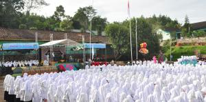 FESTIVAL BAHASA DAN SENI (FBS II)-MENINGKATKAN SEMANGAT BAHASA SANTRI