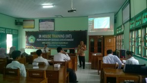 Pelaksanaan  In House Training (IHT) Penyusunan RPP Berbasis Entertainment SMK Darul Amanah Sukorejo