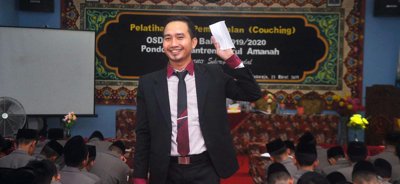 Pelatihan dan Pembekalan Pengurus OSDA. Ustad Anif Khanafi, S.Pd.I : OSDA Bekal Santri Menjadi Pemimpin Masa Depan