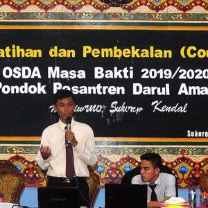 Pelatihan dan Pembekalan Pengurus OSDA. Ustadz Abi Sufar Muklis, S.Pd : Administrasi Adalah Ruh Sebuah Organisasi