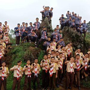 70 Santri Putra Ikuti Pengembaraan ke Puncak Sikunir, Dieng