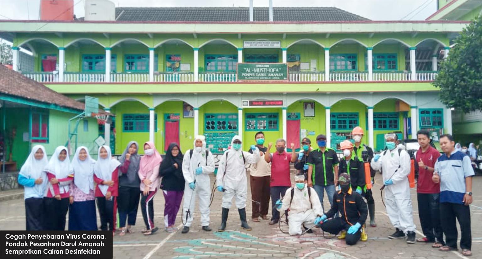 Cegah Penyebaran Virus Corona, Pondok Pesantren Darul Amanah Semprotkan Cairan Desinfektan