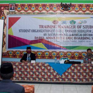 Pengasuhan Santri Pondok Pesantren Darul Amanah Gelar Seminar Pola Asuh Mendidik Anak dan Pencegahan Kekerasan di Lingkungan Sekolah