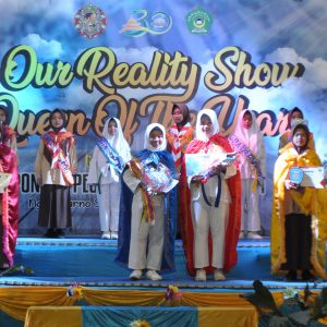 Our Reality Show Queen of The Years bersama Goldion Generation