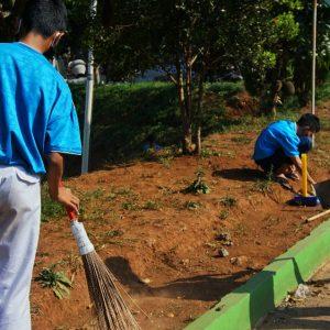 Santri Darul Amanah Gelar Word CleanUp Day (WCD) 2020