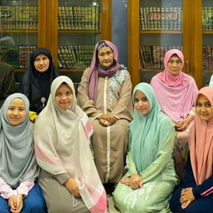 Putri Waliyullah Kiai Haji Nahrowi Dalhar, Nyai Hajah Nur Hannah Hasanah Kunjungi Pondok Pesantren Darul Amanah