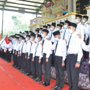 Pimpinan Pondok Pesantren Darul Amanah Lantik Pengurus Baru Putra OSDA Masa Bakti 2021/2022