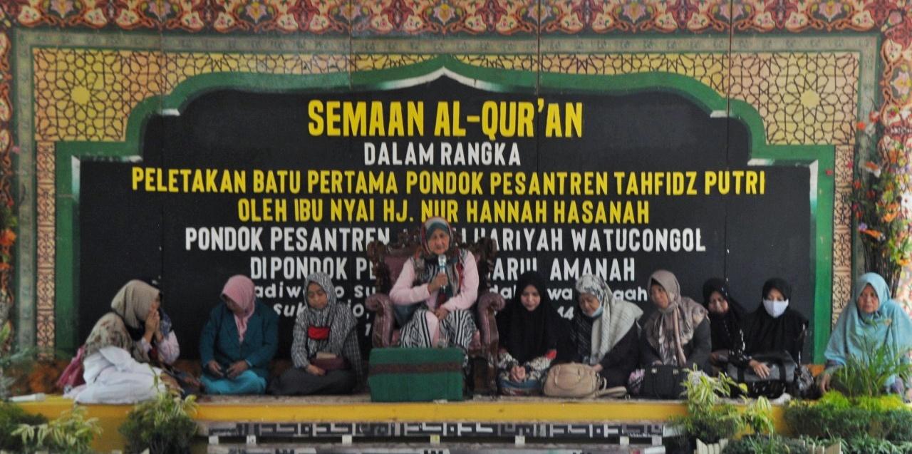 Peletakan Batu Pertama Pesantren Tahfidz Putri Pondok Pesantren Darul Amanah Sukorejo Kendal